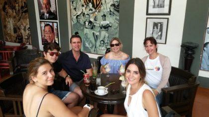 Guía turístico, almuerzo en restaurante cubano